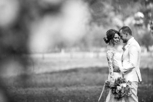 newly married couple a for a winer wedding at Stonehurst creek, Wollombi